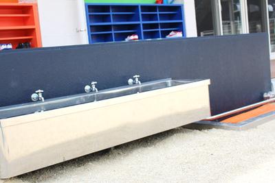 手洗い場(屋外)