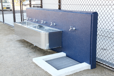 手洗い・足洗い場(屋外)
